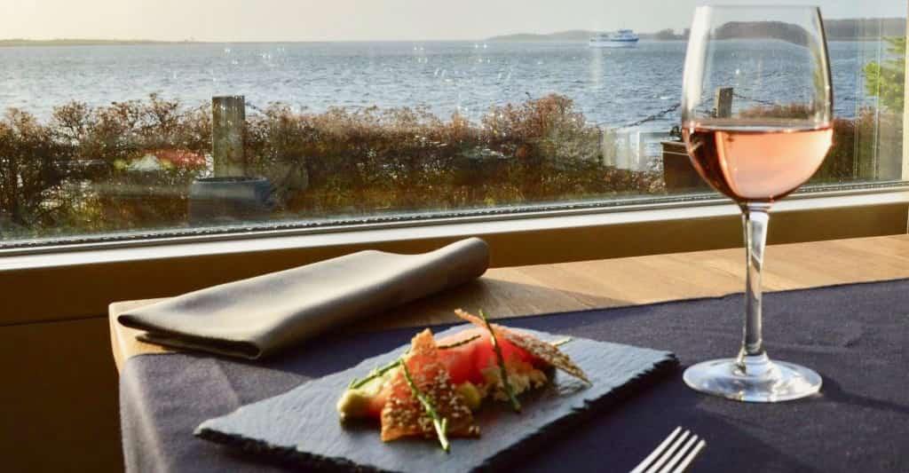 God mad med god udsigt i Faaborg. Prøv Restaurant Klinten.