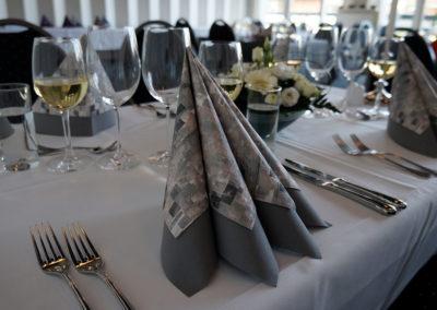 Bryllupsfest borddækning Fyn